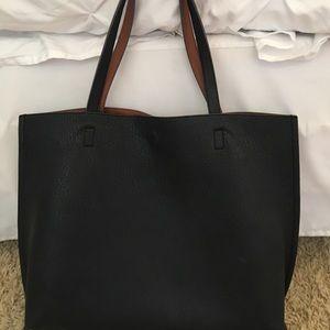 Handbags - REVERSIBLE tote!!